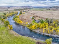 Montana Riverfront Property Home : Absarokee : Stillwater County : Montana