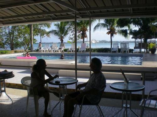 New Price Titled Beachfront 14 : Bocas Del Toro : Panama