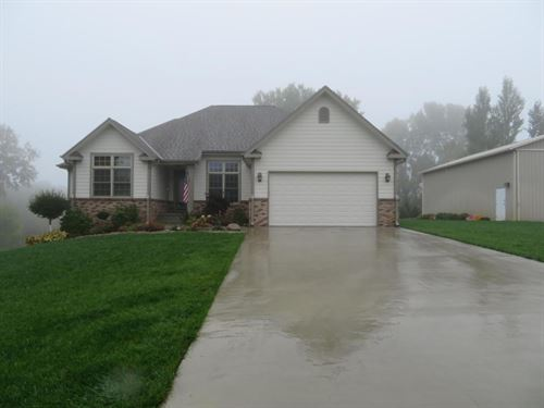 5 Bed/2.5 Bath Ranch Home 2.86 : Missouri Valley : Harrison County : Iowa