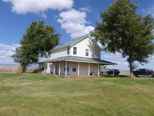 Large Home 100 Acres Close To Burns : Burns : Harney County : Oregon