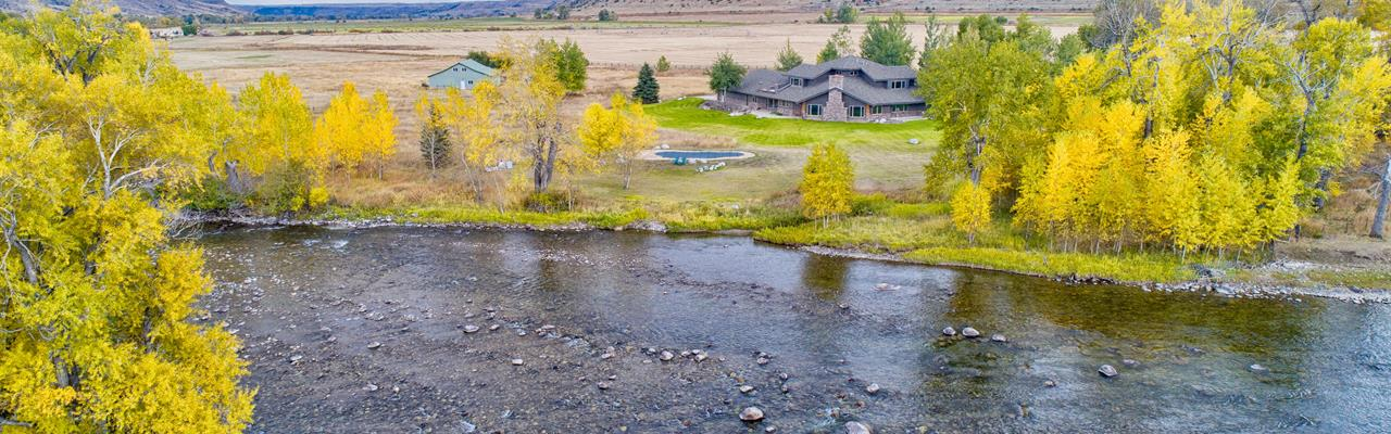 Luxury Riverfront Retreat Auction : Absarokee : Stillwater County : Montana