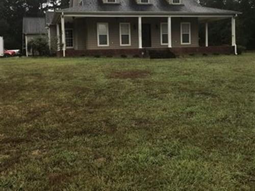 Beautiful Farm With Gorgeous Home : Bremen : Cullman County : Alabama