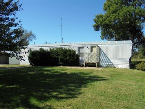 Single Wide 3.8 Acres Close To : Trenton : Livingston County : Missouri