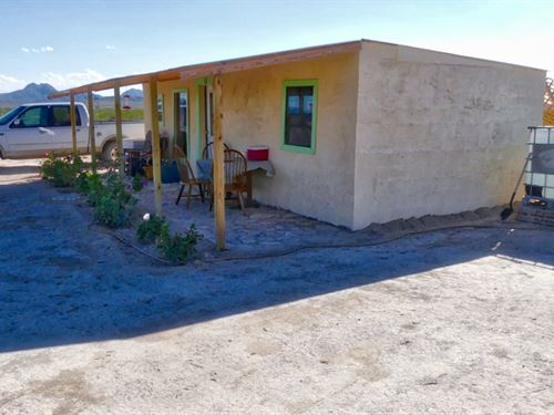 Off Grid Cabin On 5 Acres : Alpine : Brewster County : Texas
