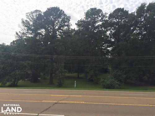 Beautiful Wooded Lot on Veterans Me : Kosciusko : Attala County : Mississippi