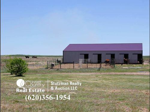 Acreage Home Comanche County : Coldwater : Comanche County : Kansas