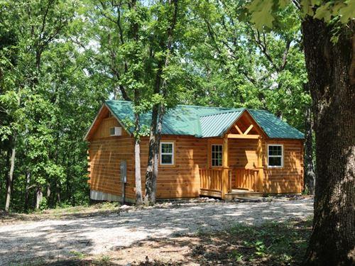 2 Br, 1 BA Weekend Get-A-Way Cabin : Eldon : Miller County : Missouri