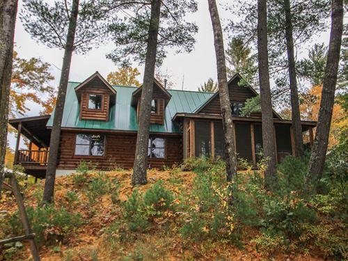 Log Home Bailey Lake in Waupaca WI : Waupaca : Wisconsin