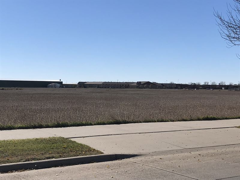 Commercial Land Auction : Aberdeen : Brown County : South Dakota