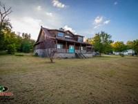 3800 Sq, Ft, Home on 25 Acres For : Columbus : Cherokee County : Kansas