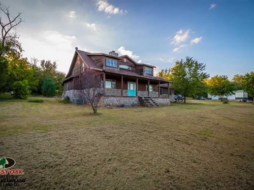3800 Sq, Ft, Home on 25 Acres For : Columbus : Cherokee County : Kansas