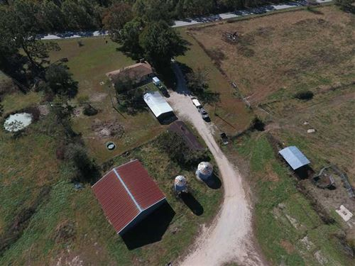 25 Acres House And 3 Turkey Barns : Stover : Morgan County : Missouri