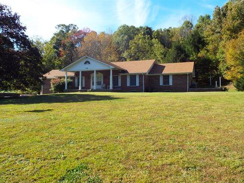 Spacious Brick Ranch, Apartment : Cedar Bluff : Tazewell County : Virginia