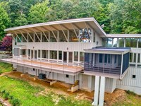 Comtempory Cashiers Home With Land : Cashiers : Jackson County : North Carolina