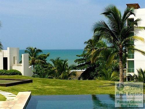 Condo Rio Mar Panama Real Estate : Rio Hato : Panama