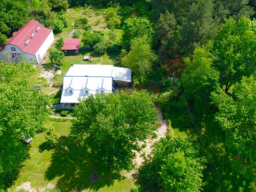 Gorgeous Vineyard With Brick Home : Ethridge : Lawrence County : Tennessee