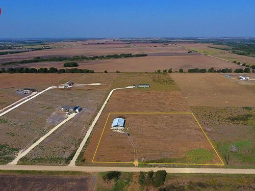 Highland Vistas, 3 Ac Barndo Shell : Thorndale : Milam County : Texas