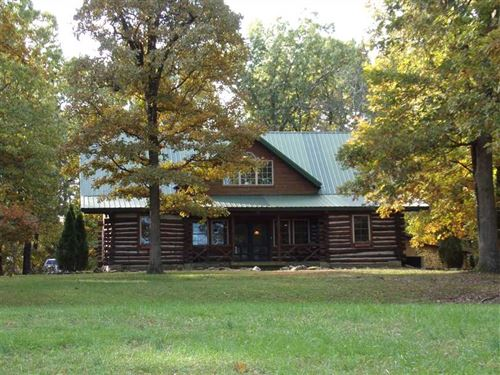 Log Home in The Woods on Acr : Pierce City : Newton County : Missouri