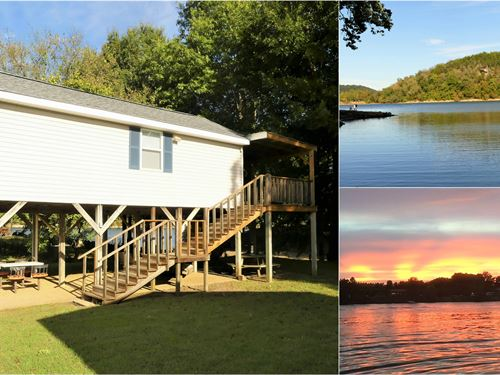 Beautiful Waterfront Cabin : Decaturville : Decatur County : Tennessee