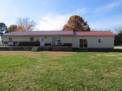 Nice Home 30' x 60' Pole Barn 3 : Palestine : Crawford County : Illinois
