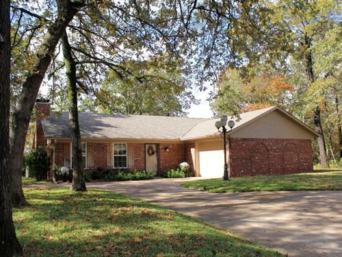 Charming Home Lake Athens Community : Athens : Henderson County : Texas