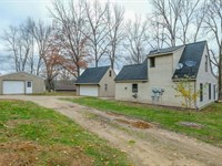 3 Bedroom Home Channel Frontage 35 : Delton : Barry County : Michigan