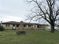 Ranch Style Home Acreage Outside : Harrison : Boone County : Arkansas
