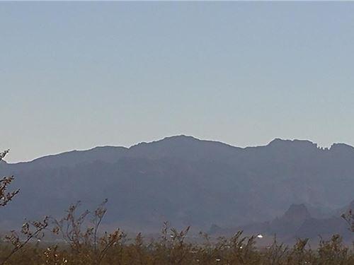 Plenty Room Toys, 2.35 Acres Flat : Golden Valley : Mohave County : Arizona