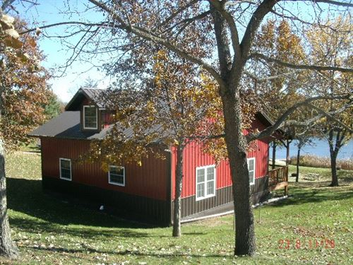 Waterfront Custom Built Home Treed : Princeton : Mercer County : Missouri