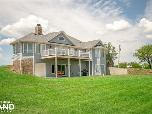 Burlingame Dream Home And Acreage : Burlingame : Osage County : Kansas