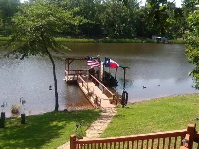 Waterfront Home On Lake Ioni : Palestine : Anderson County : Texas