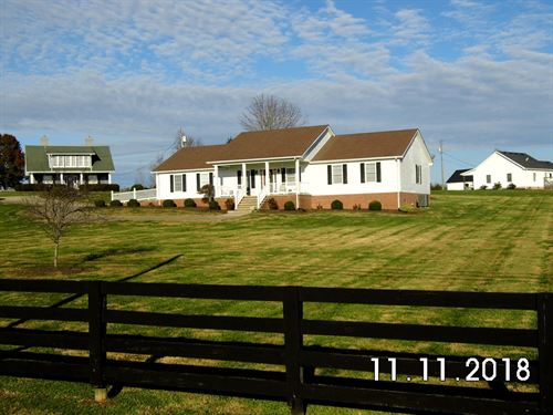 Beautiful Country Home Outskirts : Perryville : Boyle County : Kentucky