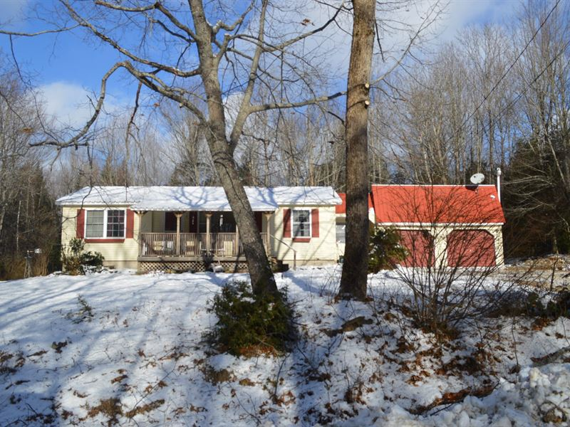 Country Home in Lincoln Maine : Lincoln : Penobscot County : Maine