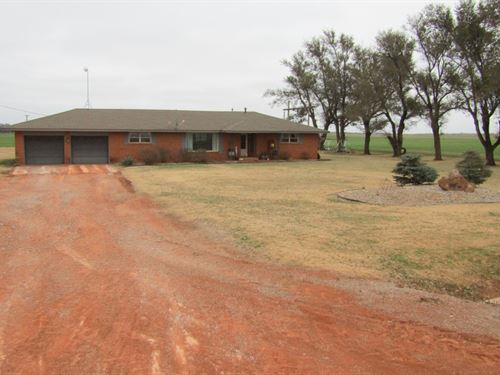Home With 6 Acres : Bison : Garfield County : Oklahoma