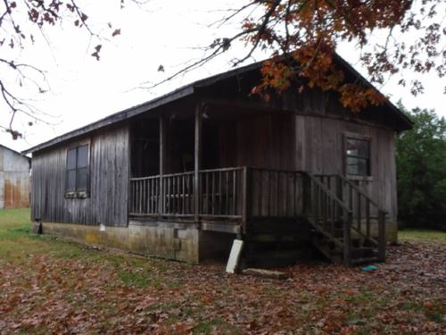 62+Ac, Cabin, Barn, Creeks, Pasture : Baxter : Putnam County : Tennessee