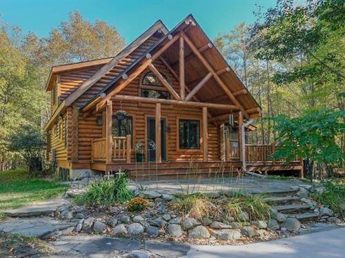 Log Home Located Between Saugatuck : Glenn : Allegan County : Michigan