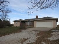 Excellent Country Home 5 Acres M/L : Eagleville : Harrison County : Missouri