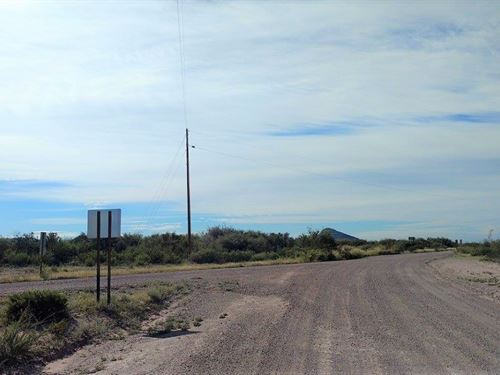 Nice 1.39 Ac, Corner Lot With Power : McNeal : Cochise County : Arizona