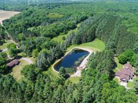 Executive Home With Land : Wisconsin Dells : Adams County : Wisconsin