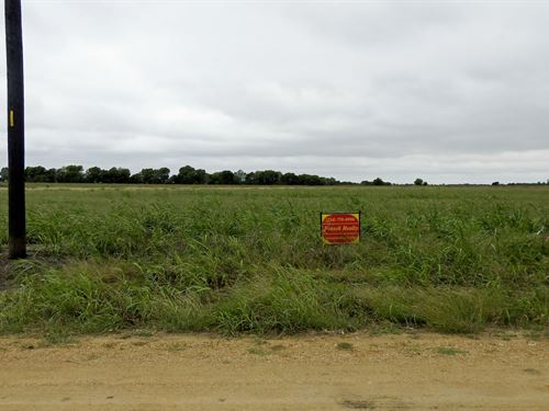 Lot 10, Highland Vistas : Thorndale : Milam County : Texas