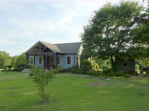 Custom Home With Lake Frontage : Poplarville : Pearl River County : Mississippi