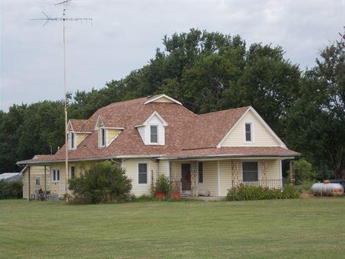 Family Farm in SE Kansas : Coffeyville : Montgomery County : Kansas