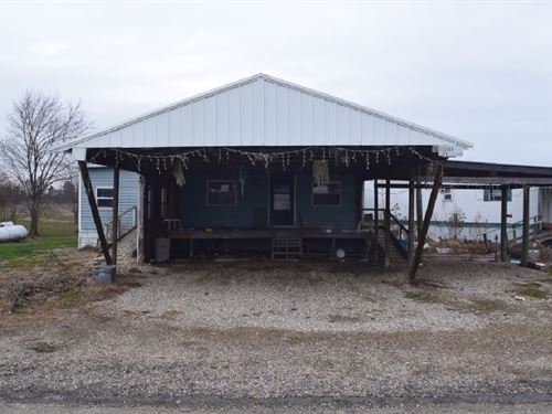 Country Location on 7 Acres : Oblong : Crawford County : Illinois