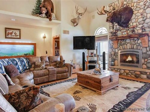 Builder's Custom Home With Wy Style : Cheyenne : Laramie County : Wyoming