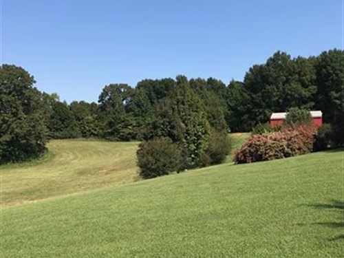Nice Barn And Stocked Pond : Rock Island : Warren County : Tennessee