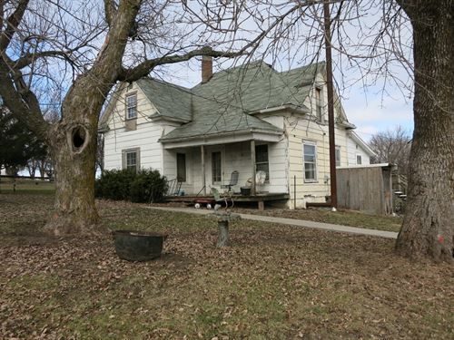 Old Home on 5.3 Acres M/L For Sale : Ridgeway : Harrison County : Missouri