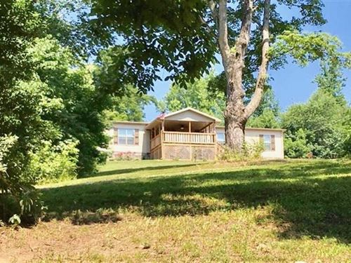 Beautiful 3-Year-Old Home Overlook : Dover : Stewart County : Tennessee