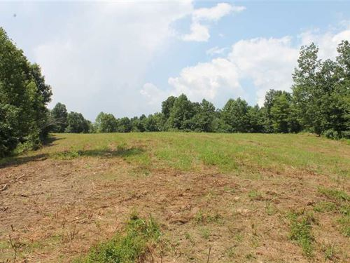 Tract 1, 27.7 Acres Private Acres : Breeding : Metcalfe County : Kentucky