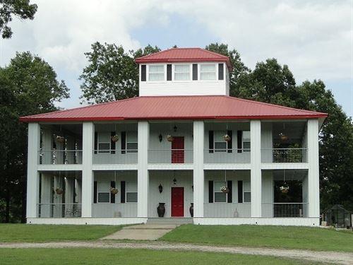 Arkansas Southern Plantation Home : Evening Shade : Izard County : Arkansas