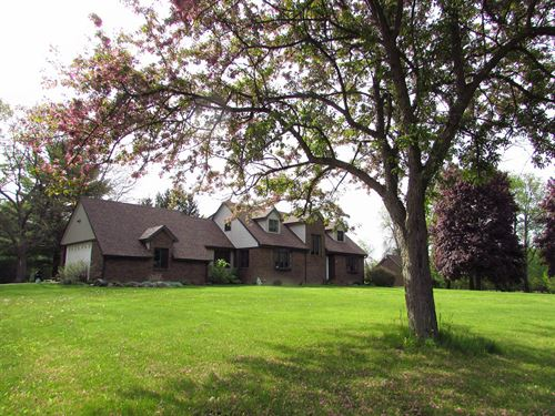 Stunning Brick Country Home 11 : Holly : Oakland County : Michigan